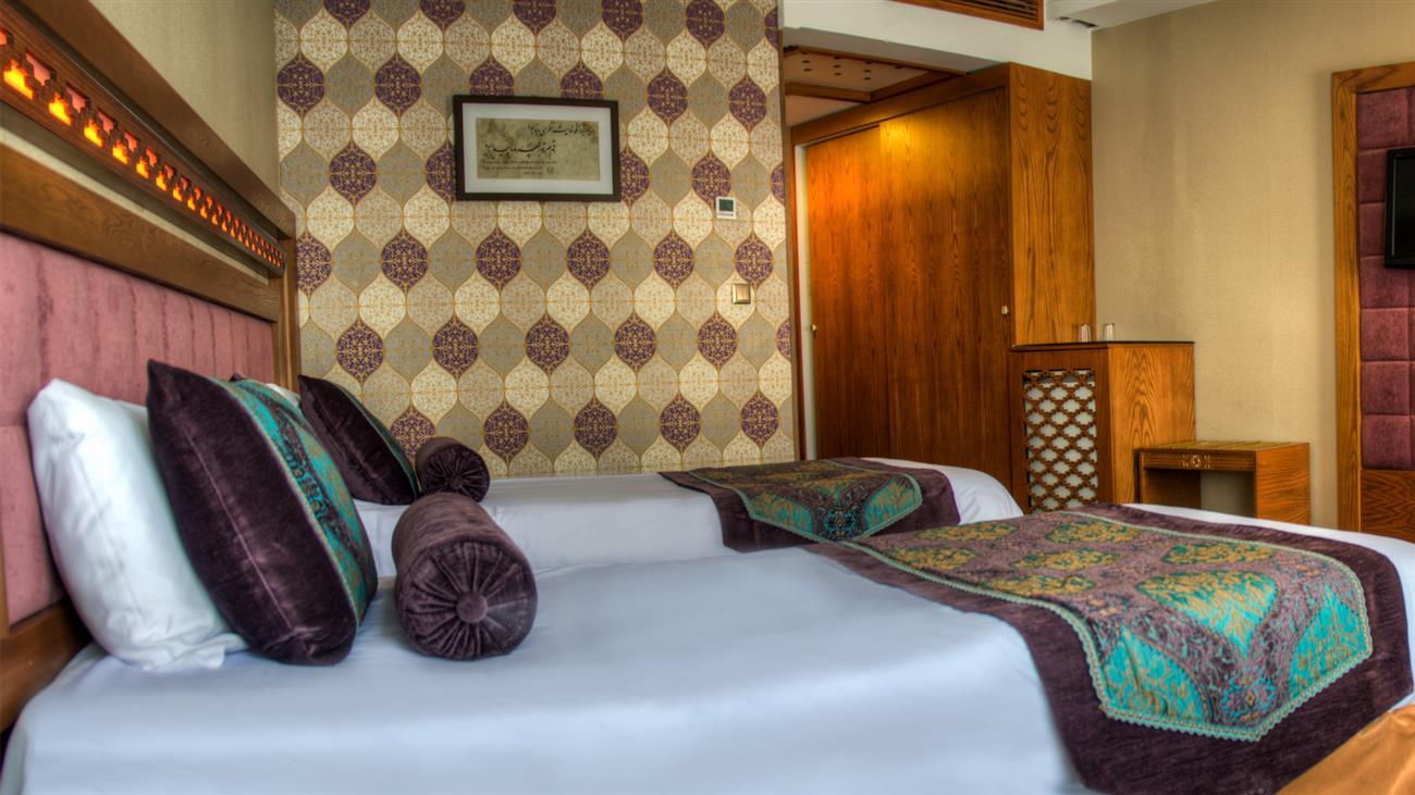 هتل آريو برزن شیراز